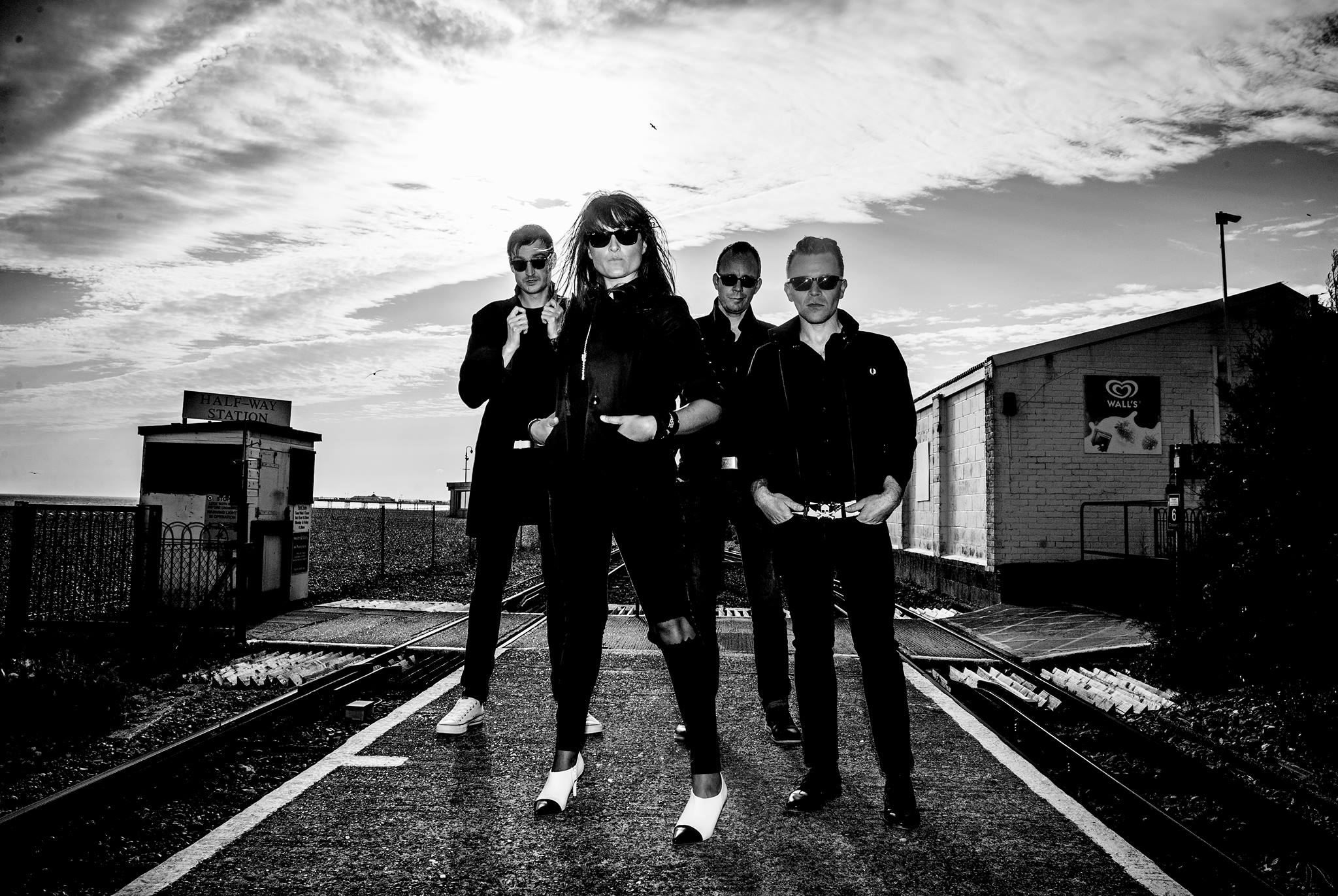 Introducing: Lucie Barât and The Au Revoirs