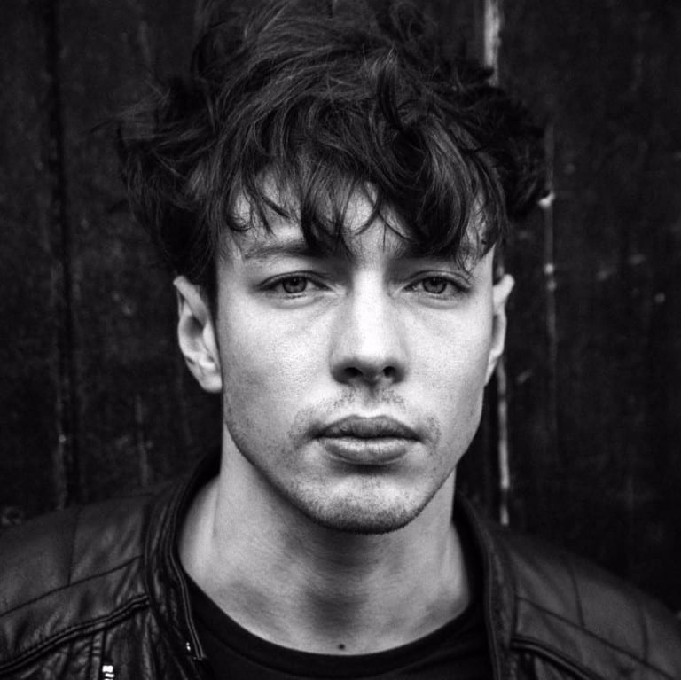 Track Review: Glitter and Gold // Barns Courtney