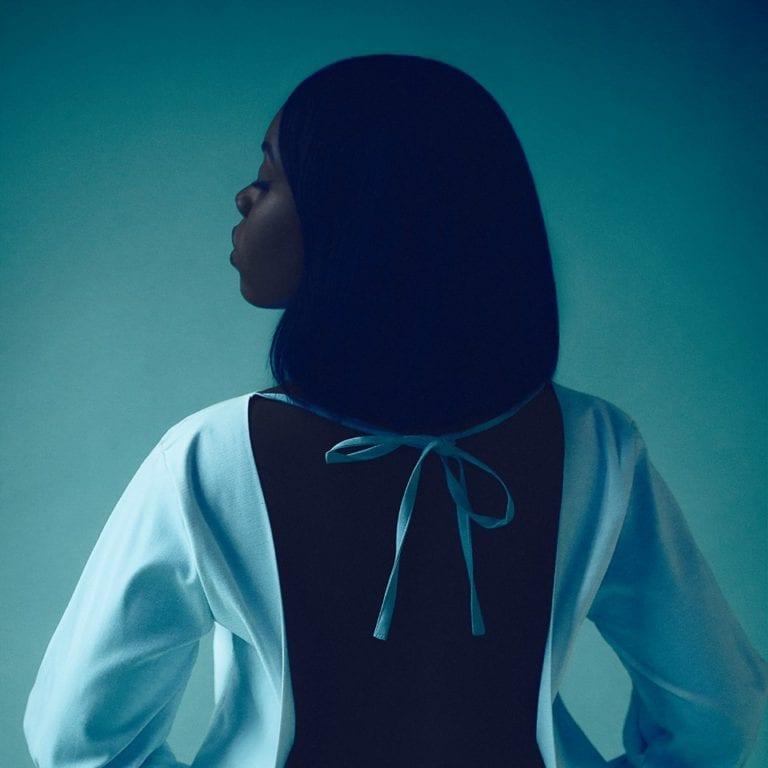 Track Review: Laura Jae // Underwater