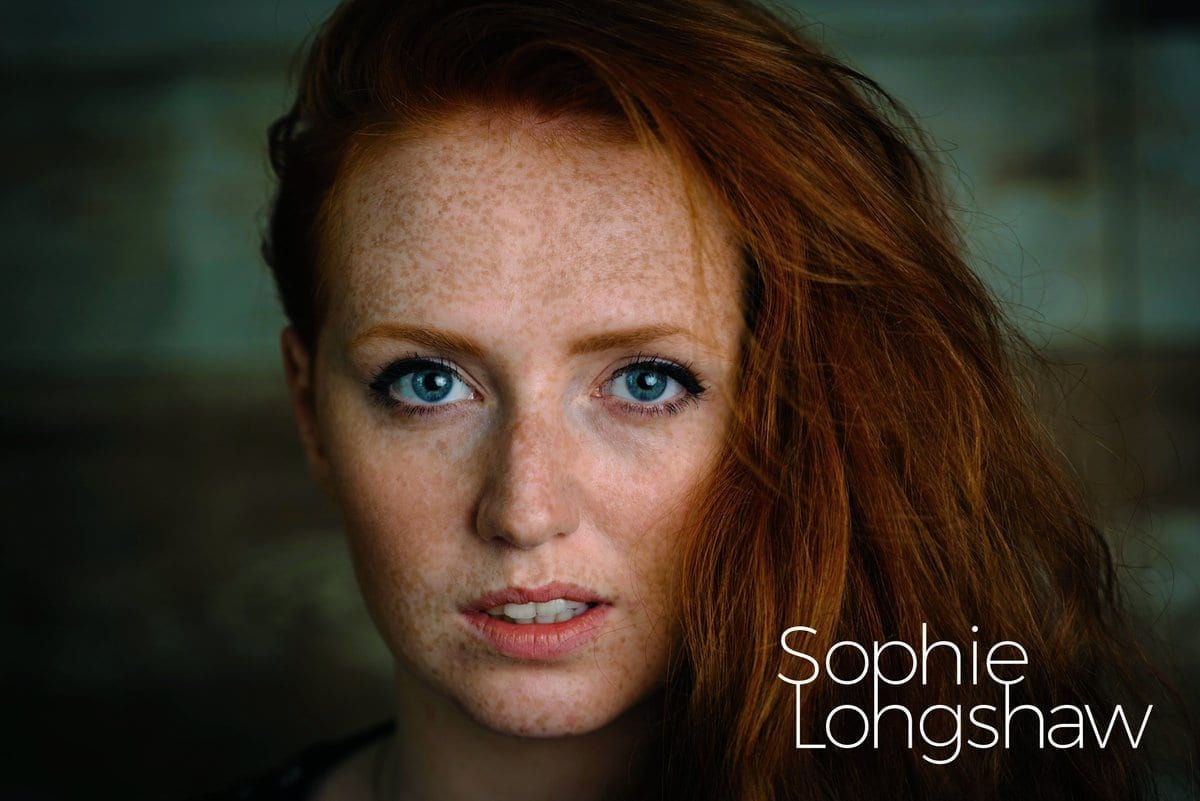 Premiere: Let's Go To The Beach // Sophie Longshaw