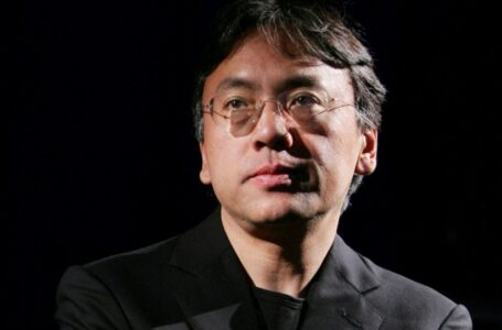 FILE PHOTO: Author Kazuo Ishiguro photographed during an interview with Reuters in New York, U.S. April 20, 2005. REUTERS/Mike Segar/File Photo