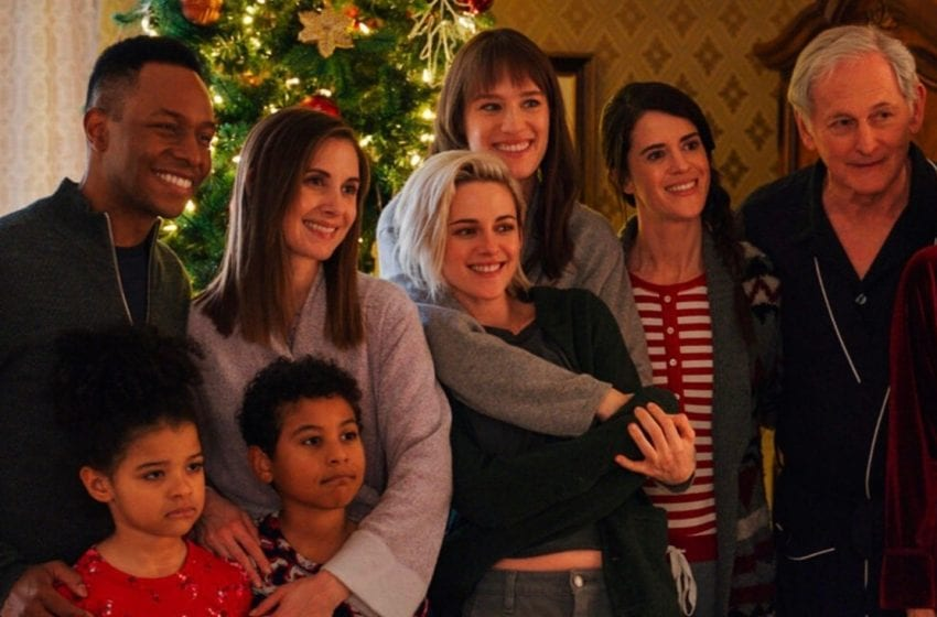 First Look at Lesbian Christmas Rom-Com 'Happiest Season'