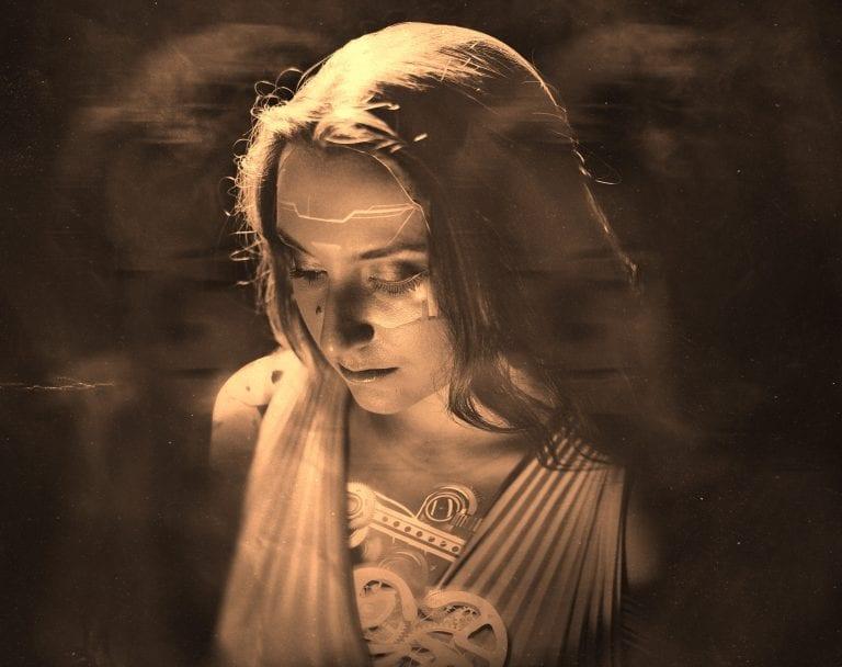 Single Review: Clockwork Heart // Monelise