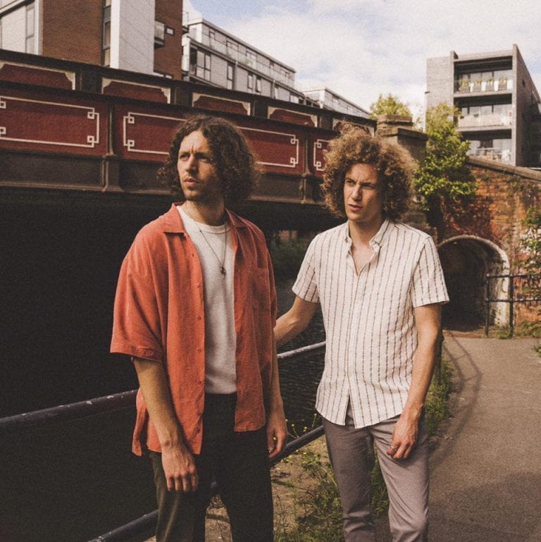 EP Review: A Spin Around the Sun // Glass Caves