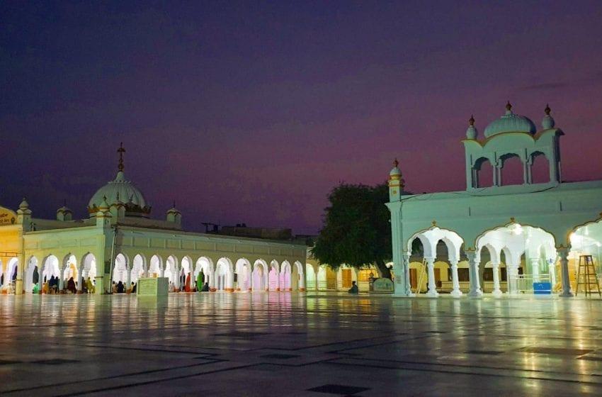 This Year Sikhs Across The World Will Celebrate Guru Nanak Dev Ji's Birthday With A Virtual Twist