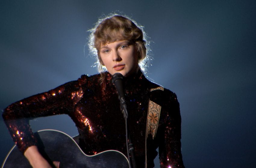 Here's Why You Need to Stop Obsessing Over Taylor Swift's Love Life