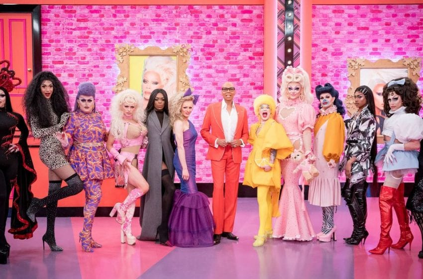 'Drag Race UK' Proves That The Show Still Has A Size Problem