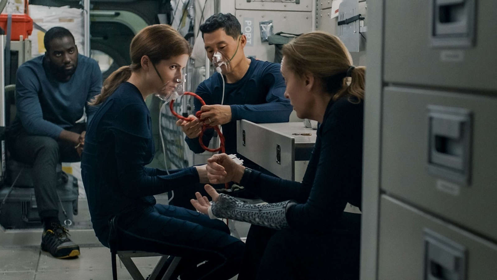 (L-R): Shamier Anderson, Anna Kendrick, Daniel Dae Kim and Toni Collette in 'Stowaway'