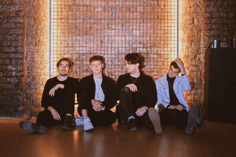 Track Review: Watching All The Good Ones Go // The Covasettes