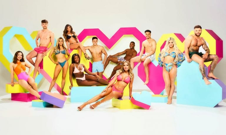 'Love Island' Warns Fans To Be Careful On Social Media